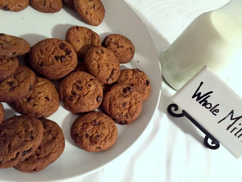 nightly milk and cookies at the kelley house in edgartown